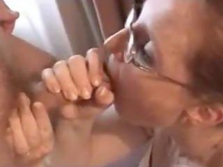 mommy engulfing wang