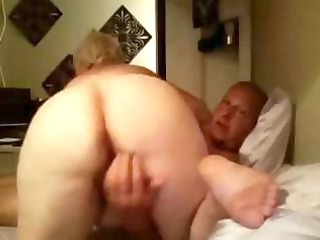 Fat old blonde amateur granny spreads her plump