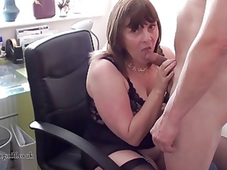 british d like to fuck performs on livecam
