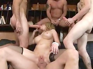bootylicious d like to fuck in heels acquires