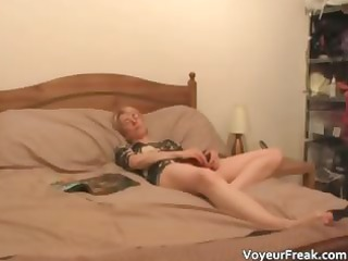 sexy golden-haired mother i masturbates for the