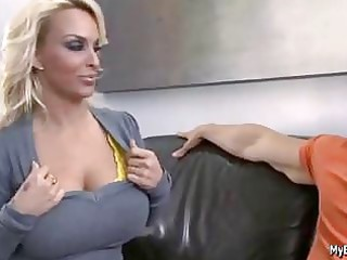 sexy mother holly plays with youthful shlong by