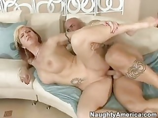 gorgeous momma brittany blaze acquires a sticky