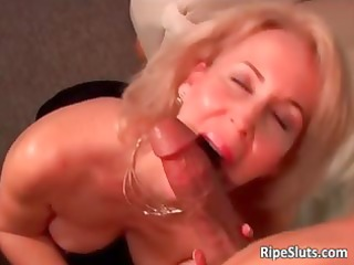 excited mature blond gets moist hairy pussy part2
