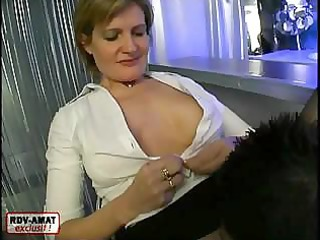 big-breasted older doxy widens her legs and