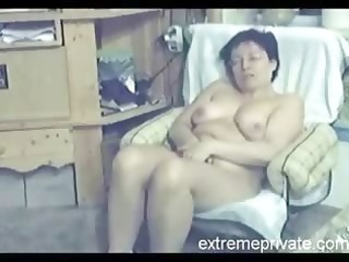 my 43 years latin babe mama fingering in living