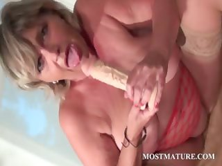 mama fake penis fucking her hungry pussy