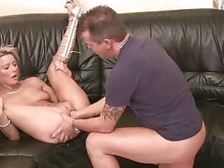 mother i hottie gets her wet pussy stuffed