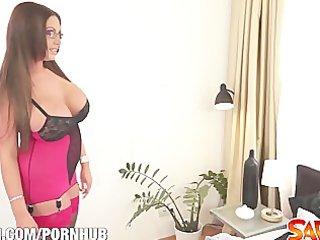 sexy mama emma wazoo