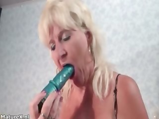 busty aged doxy acquires concupiscent dildo
