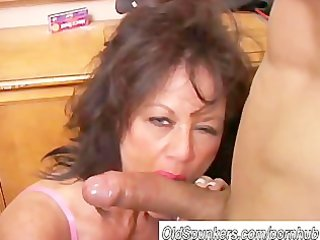 beautiful aged hottie gives a fellatio lesson