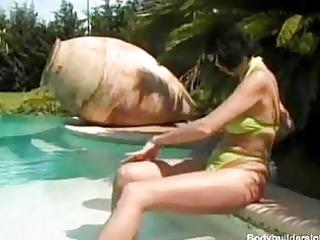 older amateur muscle honeys perverted lesbo games