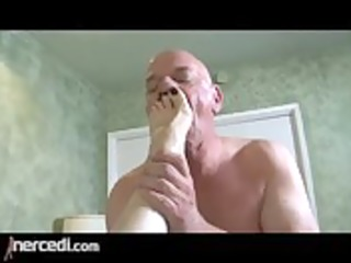 latin aged wife has her feet drilled large tits,