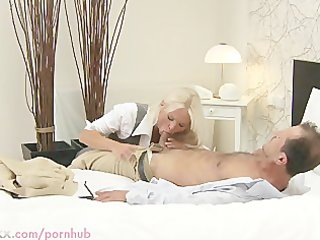 mommy hd blond breasty d like to fuck has