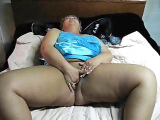big beautiful woman mamma masturabating on web