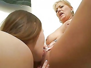 wicked lesbo learns from older lesbo