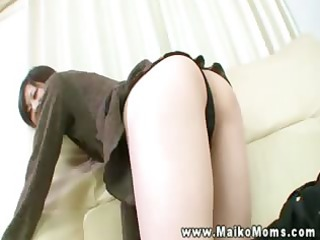shy hawt asian d like to fuck shows her