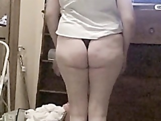 Esposa mexicana modelando calzones y nalgas