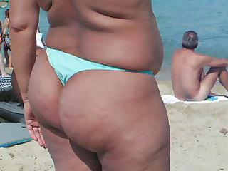 my wife on de beach.