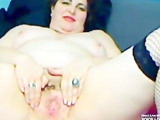 unshaved older bbw mellody masturbates
