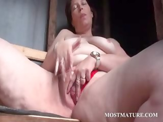 outdoor cunt masturbation with aged